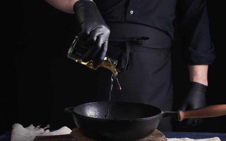 Fritar pastel com óleo ou gordura vegetal